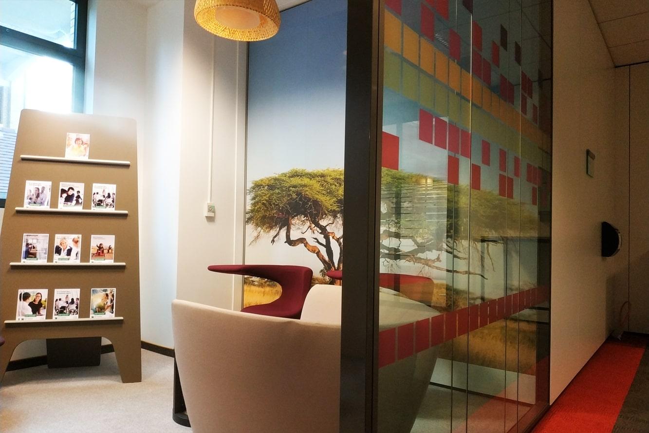 espace-conviviallite-decoration-vitrophanie