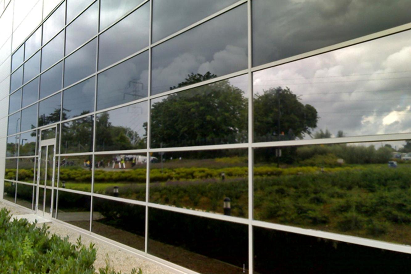protection-solaire-film-anti-chaleur-surface-vitree