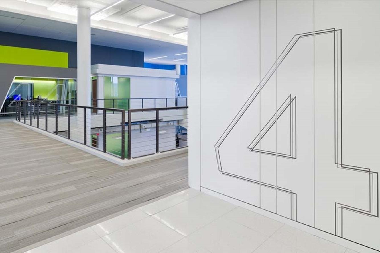 signaletique-decorative-film-decoupe-design-interieur