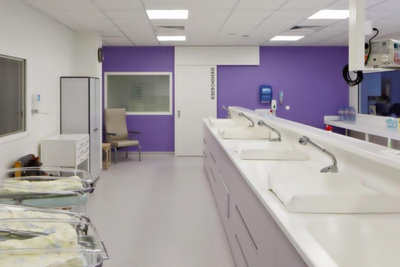 traitement-de-surfaces-anti-bacterien-maternite